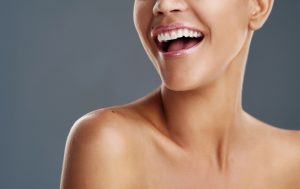 You can achieve a movie star smile with porcelain veneers in Los Angeles.